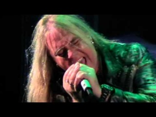 [2-Cam Mix] Helloween - Eagle Fly Free (Live) [2011.09.20 - St. Petersburg, Russia]