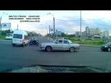 На Петергофском шоссе мотоциклист врезался в «скорую помощь»