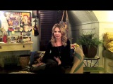 THE SECRET CIRCLE: Britt Robertson shows off Cassie's room and teases the other Blackwell child