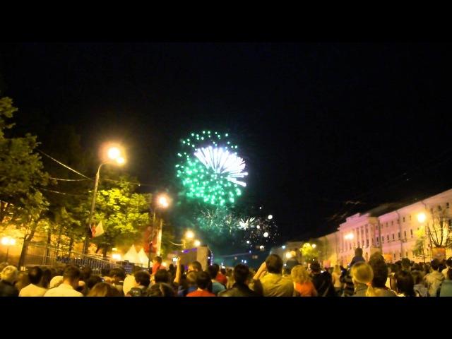 Праздничный салют в День Победы 9 мая 2012 г