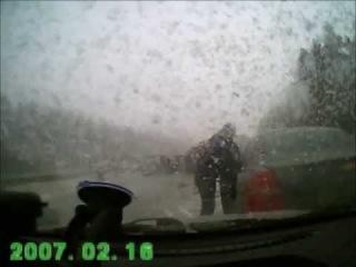 ДТП на регистратор: столкнулось более 100 машин в Перми