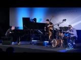 Marcin Wasilewski Trio - Oz Guizos (from