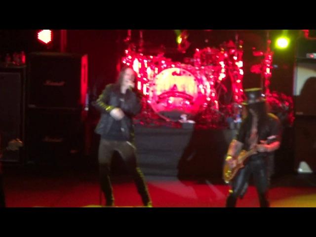 Slash feat. Myles Kennedy and the Conspirators - Sweet Child o' Mine (Live in Dubai 2013)