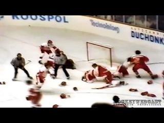 МЧМ-1987г., СССР- Канада: Самая массовая драка в истории хоккея. Смешно))