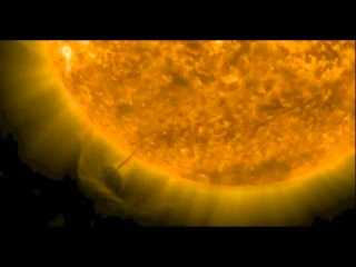 1/2 НЛО, черная дыра или новая планета возле солнца?