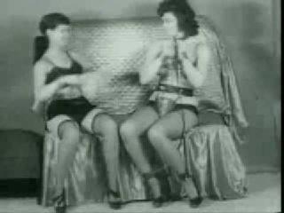 Бетти Пейдж и немного садо мазо :)