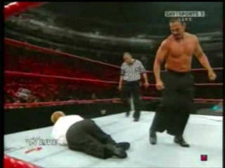 [Wrestling Matches]WWE RAW! 20/07/09 - Chavo Guerrero vs. Hornswoggle