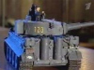 Александр Щербаков собрал самую большую в России коллекцию моделей боевой техники...