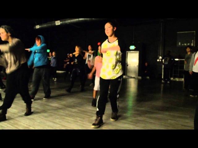 Jaira miller in Tony Tzar's class at movement lifestyle