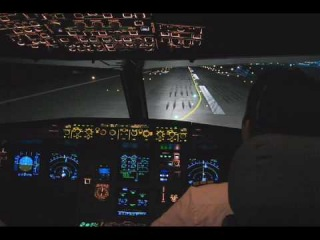 Ночной взлёт Airbus A320 из Шереметьево из кабины пилотов.