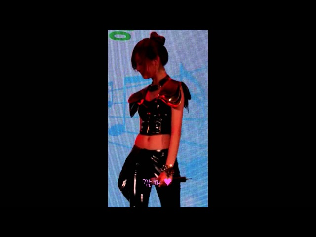 [FANCAM]EVOL _1.2.3.4.5 (Yull focus) @ Lotte world