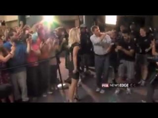 ➤ FOX's Derek James Talks with Britney and Demi About