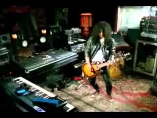 Tears in heaven - Elton John, Steven Tyler, Ozzy and Kelly Osbourne, Slash and others.