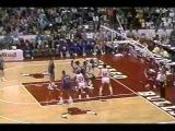 Charles' Oakley 35 rebounds (Cavaliers 22.04.1988)