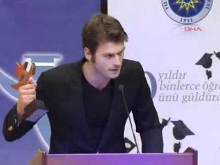 Kıvanç Tatlıtuğ - Yılın Yıldızları Ödül Töreni 12.1.2012 DHA