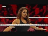 WWE Raw 3/14/11 Vickie Guerrero vs Trish Stratus