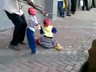 Impresionante baile de marionetas