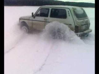 нива в снегу.mp4