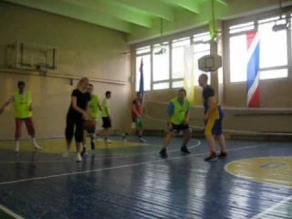 Баскетбол м. Войковская 21.04.2012 (5).AVI