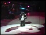 Michael Jackson bad tour 88 behind the scene (with exclusive live billie jean)