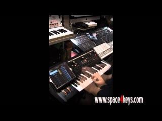 Moog Little Phatty + Ipad app controller x Omnisphere performed by S4K ( space4keys keyboard solo )