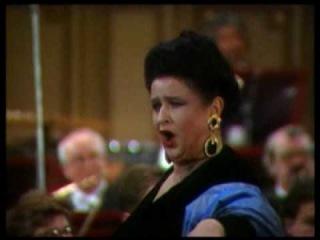 MARIANA NICOLESCO soprano - Strauss DIE FLEDERMAUS Klange der Heimat (Rosalinde)