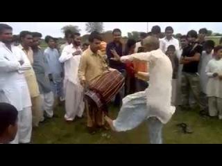 PAKISTANI VILLAGE LIFE PUNJABI TAPPE DHOOL AND BHANGRA