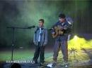 Цыганский мальчик поeт песню.24 января на улице Уральской в Ужгороде найдено тело 13-летнего Степана Баджо, который исчез еще 14 января.