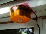 Оранжевая мигалка в магазине