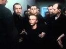 Навального отпетушили в обезьяннике.