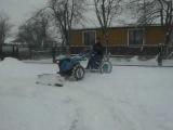 мотоблок чистет снег 2012