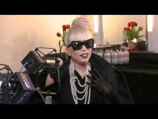 Интервью Леди Гага у Райана Сикреста на KIIS FM Появилось 12-ти минутное интервью Леди Гага у Райана Сикреста (Ryan Seacrest), сделанное 3 декабря в студии радио KIIS FM. В интервью певица говорила о своём новом видеоклипе Marry Th