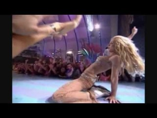 Britney Spears-Satisfaction & Oops! I Did It Again Live in VMA 2000 (Her Best Performance Ever)