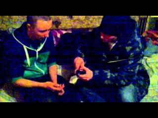 камень ножницы бумага - на удар электрошокером :D.mp4