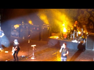 Simple Plan - Summer Paradise (live @ ДК им. Ленсовета 14.04.2012)