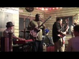 LARRY MCCRAY BAND WITH GUEST - DANNY TSUN @ KINGSTON MINES - CHICAGO - 23RD JULY 2011