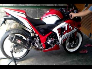 Honda CBR 250R Exhaust Yoshimura