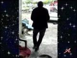 Прикол.Пьяный грузин танцует брачный танец