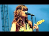 She & Him - Wouldn't It Be Nice (Beach Boys Cover)