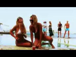 Клип Benny Benassi & Public Enemy - Bring The Noise (Pum...