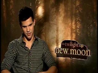Taylor Lautner - Twilight New Moon Jacob - with Brad Blanks