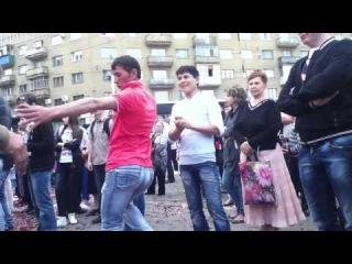 Равшан и Джамшут взрывают танцпол)))