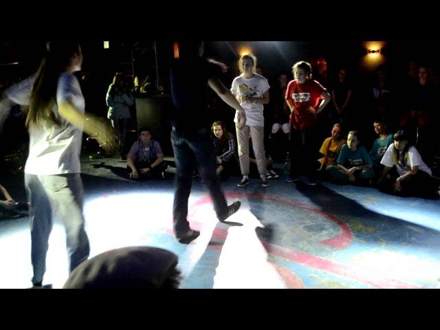 BLACKGROUND BATTLE Vol.2 Белгород / Hip-Hop 2х2 1/2 Kiwi J-san vs Twisted Mind » Freewka.com - Смотреть онлайн в хорощем качестве