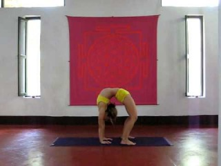 11. Advanced back bend- Kino Macgregor at PURPLE VALLEY yoga retreat Goa,India www.yogagoa.com
