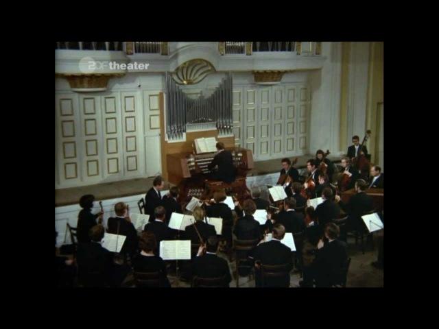 Георг Фридрих Гендель. Огранный концерт, соч. 7, № 5, соль минор. Исполняет Мюнхенский Баховский оркестр. Дирижёр и органист Карл Рихтер. Австрия, Зальцбурт, Моцартеум. Запись 1971 года.