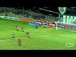 Ronaldinho vs His Teammates / Роналдиньо против своих партнеров по команде
