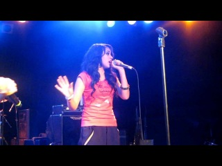 "Jasmine V Performing ""Crew Love"" At The Roxy 4/21/2012"