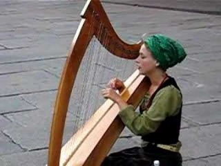 Yasmeen Amina Olya - O Habibi (Beautiful girl singing in Strasbourg)