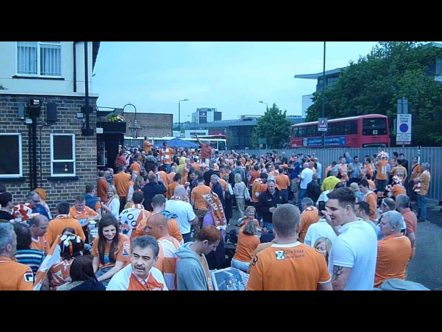 Blackpool fans @ The Torch Pub May 19th 2012 Championship Play Offs