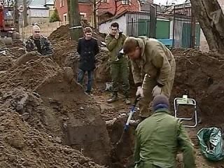 В Калининграде во время прокладки газопровода строители наткнулись на останки солдата - Первый канал